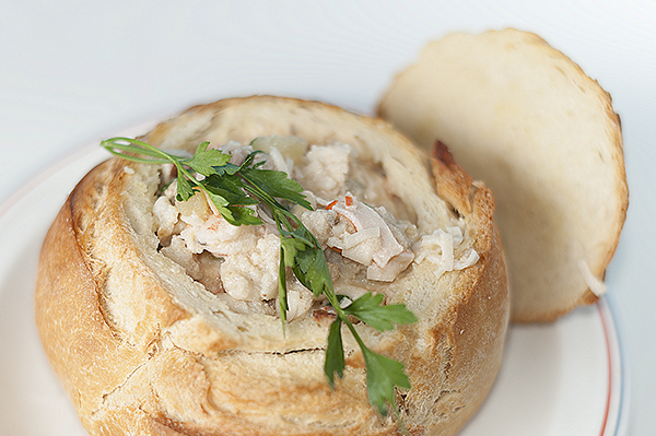 Chowder_in_bread_bowl3